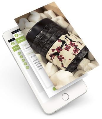 Site web affiché sur un iphone avec 3 couches distinctes