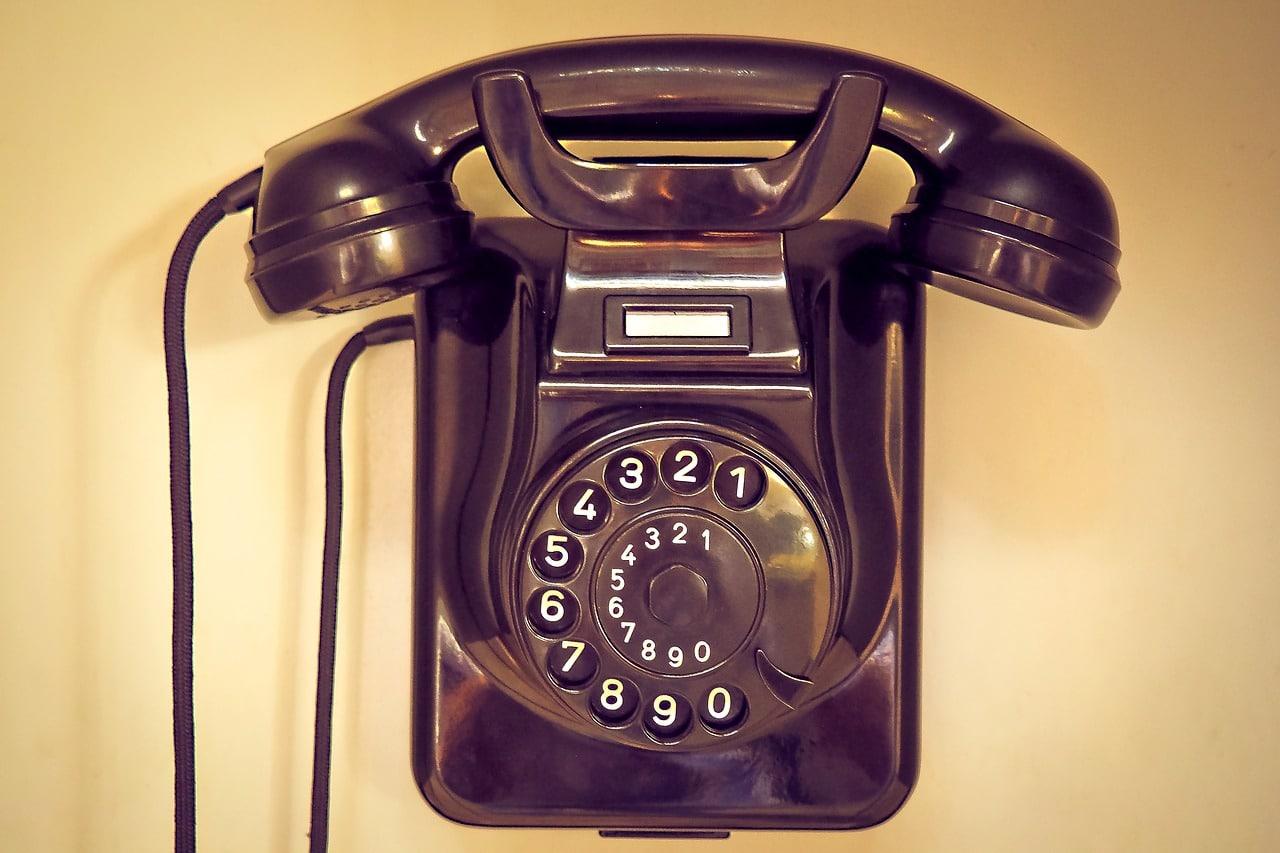Vieux téléphon fixe